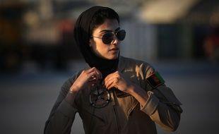 Niloofar Rahmani, la première femme pilote afghane, est au cœur d'un vif débat dans son pays.