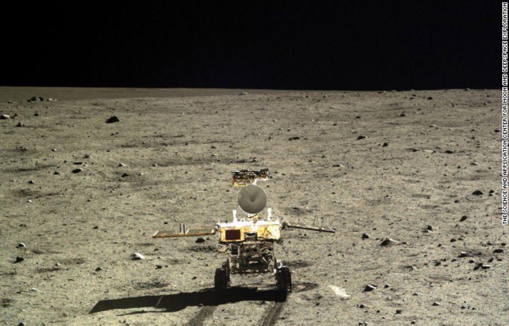 La Lune et ses Mysteres  (Documentaire) 1008x646_photo-surface-lune-prise-robot-chinois-2013