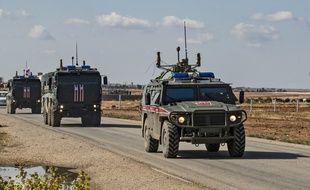 Les forces militaires patrouillent sur la frontière turco-syrienne, le 30 octobre 2019.