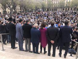 Près de 2.000 manifestants issus de la communauté juive se sont rassemblés à Marseille pour réclamer un procès aux assises dans l'affaire Sarah Halimi
