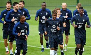 L'équipe de France de football à l'entraînement, le 21 juin 2016 à Clairefontaine, en région parisienne
