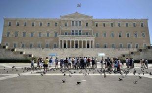 La Grèce a reçu 31,9 milliards d'euros d'offres de ses prêteurs pour l'opération de rachat de sa dette, au delà de son objectif, mais a besoin que le Fonds de secours européen verse 1,29 milliard de plus que prévu pour boucler l'opération, a indiqué mercredi l'Agence de la dette.