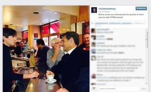 Nicolas Sarkozy a posté sur Instagram une photo de lui, accoudé au zinc d'un café, le 21 janver 2014.