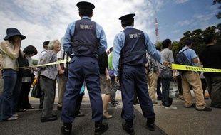 Des actionnaires se rendent à une assemblée générale de Tepco à Tokyo (Japon) le 28 juin 2011.