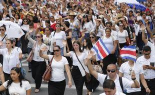 Des milliers de fidèles de l'église de La Lumière du Monde se sont rassemblés à Guadalajara.