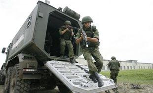 Les forces spéciales russes participent à un exercice militaire, à Molkino, dans la région de Krasdonar, le 10 juillet 2015