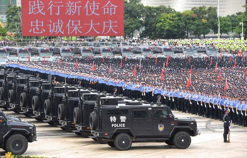Hong Kong: Cette vidéo montre-t-elle l'armée amassée à la frontière?