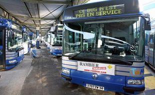 Un bus immobilisé à Montpellier en 2006