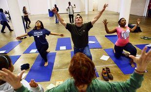 Un cours de yoga à Memphis (Tennessee), le 30 mars 2013.