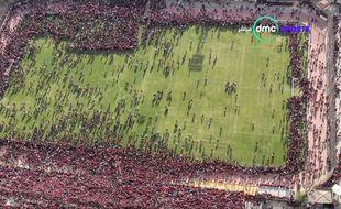Le terrain d'entraînement d'Al-Ahly envahi par les supporters