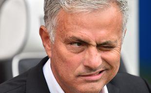 Mourinho, mi-coach, mi-clown, mimolette.