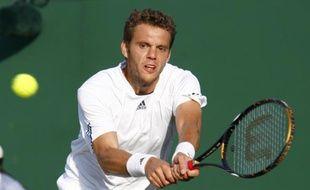 Le tennisman français Paul-Henri Mathieu, lors de son match à Wimbledon face à Marin Cilic, le 28 juin 2008.