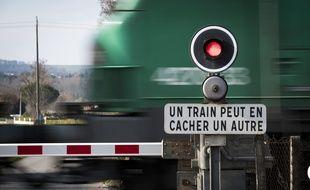 La collision se serait déroulée peu avant dix heures selon la SNCF citée par Le Parisien.