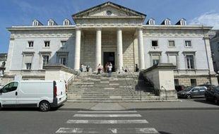 Le tribunal de Pau, le 11 juin 2014