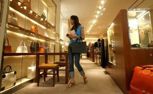 Les Chinois représenteront en 2015 le principal débouché au monde pour les biens et services de luxe, qu'ils dépensent dans leur pays ou lors de voyages à l'étranger, selon une étude du Boston Consulting Group (BCG) publiée mardi.