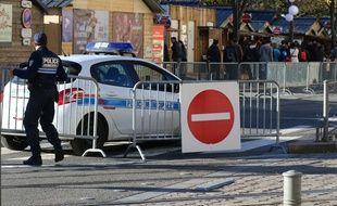 Les allées de Tourny dans le sens Grand Théâtre-Place Tourny sont fermés à la circulation tous les jours de 14 h à 20 h 30 jusqu'au 26 décembre