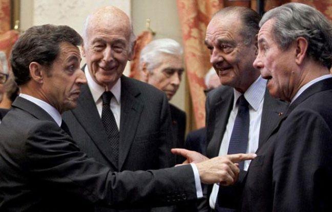 Nicolas Sarkozy au Conseil constitutionnel en compagnie de Valéry Giscard d'Estaing, Jacques Chirac et Bernard debré, le 1er mars 2010.