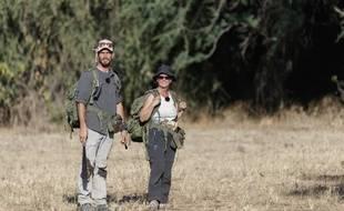 L'expert Rémi et la novice Laurence dans la savane, lors du tournage de «Wild».