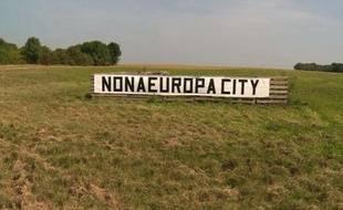La banderole d'opposants au projet EuropaCity à Gonesse