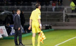 L'entraîneur lyonnais Rémi Garde lors du match contre Bordeaux le 20 octobre 2013.