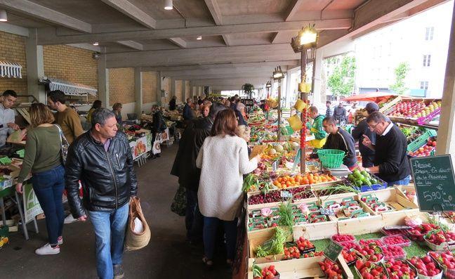 La partie fruits et légumes du marché de Talensac, à Nantes, dimanche 26 mai 2019.