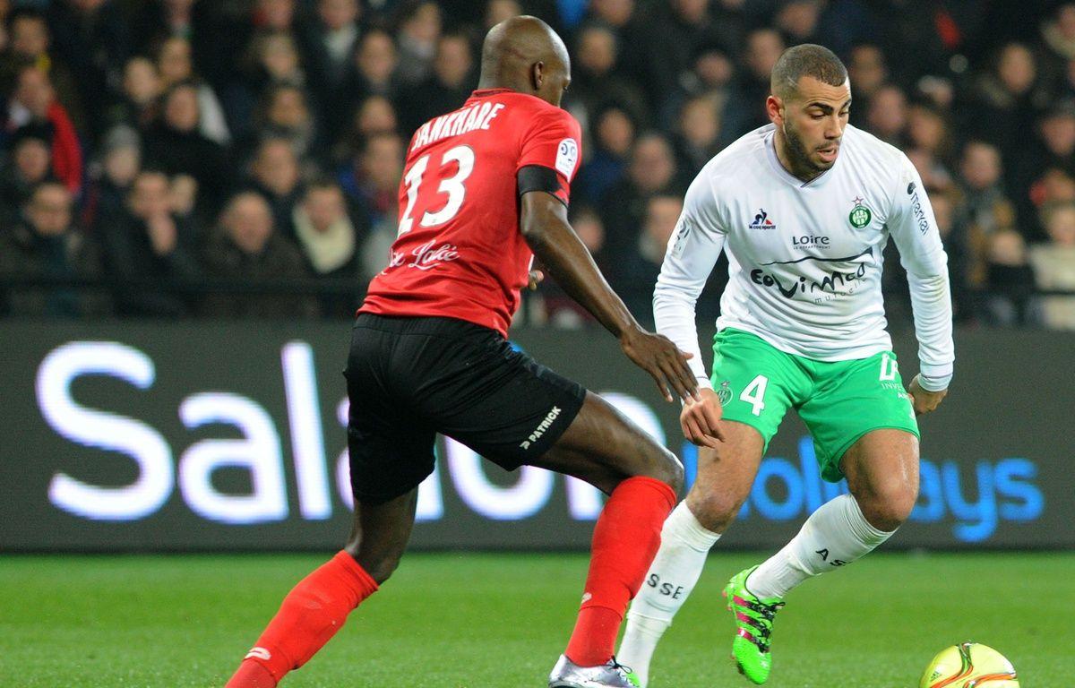 Ici opposé au Guingampais Younousse Sankhare, Oussama Tannane n'a plus du tout l'impact entrevu lors de ses débuts avec l'ASSE.  FRED TANNEAU – AFP