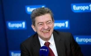 """Jean-Luc Mélenchon, candidat du Front de gauche à l'élection présidentielle, a estimé mercredi à Clermont-Ferrand que la volonté populaire pouvait le """"catapulter bien au-delà"""" de son score actuel dans les sondages."""