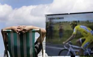Le Tour de France est retransmis sur écran géant à Hyde Park, Londres, le 8 juillet 2007.