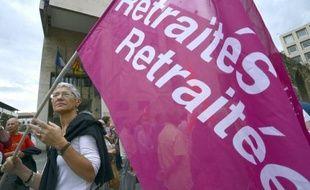 """Plusieurs milliers de retraités ont défilé jeudi à Paris et dans de nombreuses villes à l'appel des syndicats pour affirmer haut et fort qu'ils ne sont pas des """"privilégiés""""."""