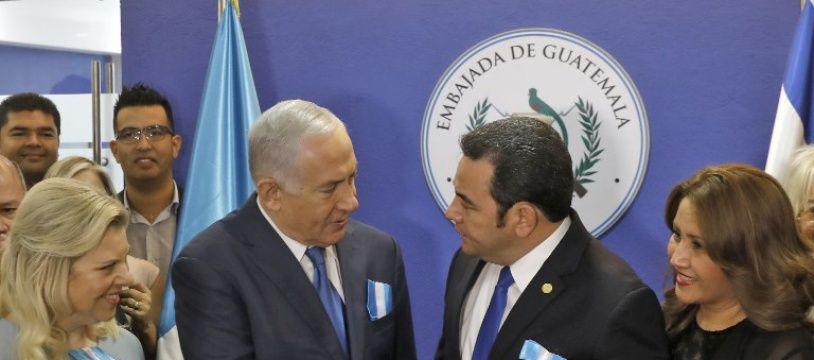 Benjamin Netanyahou et Jimmy Morales, le 16 mai 2018 lors de l'inauguration de l'ambassade du Guatemala à Jerusalem.