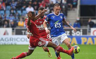 Dimitri Liénard, ici lors d'un précédent match de Ligue 1 contre le Brest, le 29 août à la Meinau, a été victime d'un malaise, dimanche au Parc OL. PATRICK HERTZOG