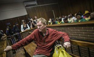 Un Danois, Peter Frederiksen, 63 ans, poursuivi pour agression après la découverte à son domicile en Afrique du Sud de clitoris congelés et d'organes génitaux féminins séchés, devant un tribunal à Bloemfontein, le 4 novembre 2015