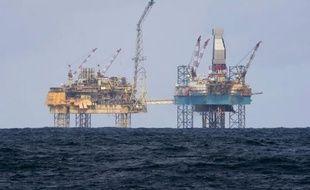 Des plateformes pétrolières. (illustration)