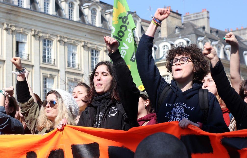 De nombreux jeunes ont défilé dans les rues de Rennes pour protester contre la loi Travail. - C. Allain / APEI / 20 Minutes