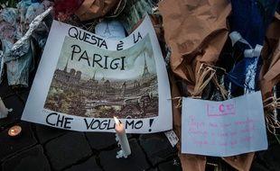 Photo prise samedi par Sandra Roumanie  devant l'ambassade de France à Rome.