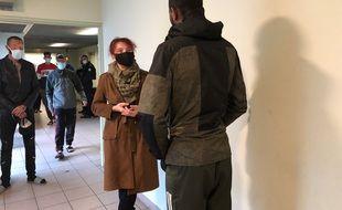 Bénédicte Taurine, députée de la première circonscription de l'Ariège, lors de sa visite le 7 décembre au centre de rétention de Cornebarrieu.