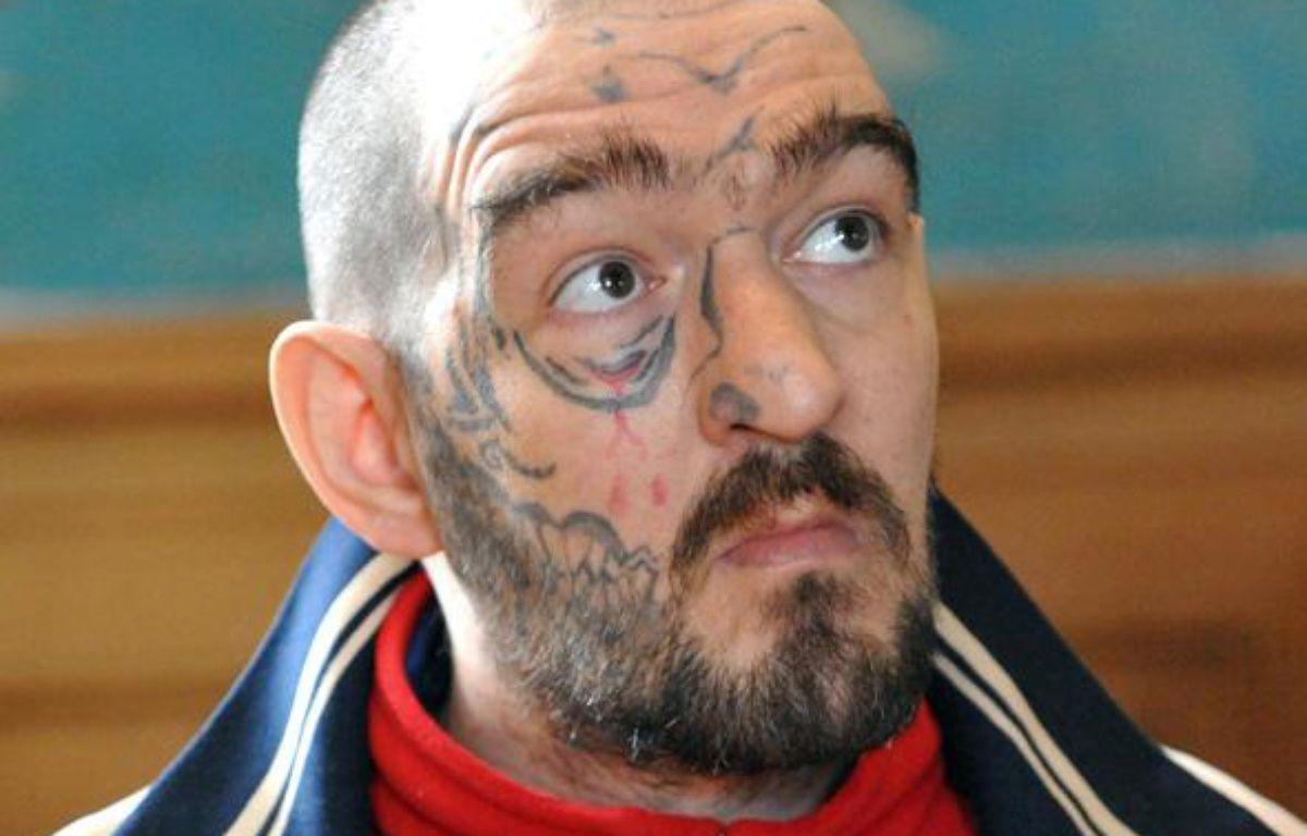 Nicolas Cocaign, jugé le 21 juin 2010 à Rouen pour avoir tué son co-détenu avant de manger son poumon. – ROBERT FRANCOIS/AFP