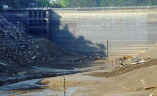 Le barrage de Guerlédan à Mûr-de-Bretagne, le 23 avril 2015 dans l'ouest de la France