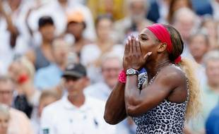 Serena Williams a remporté le 6e US Open de sa carrière en battant Caroline Wozniacki (6-3, 6-3), dimanche 7 septembre, à New6york.