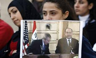L'esquive de chaussure par Le président Bush en 2008 est longtemps restée un symbole. (archives)