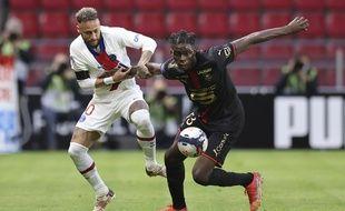 Dimanche, Bruno Gensio avait fait confiance au jeune produit du centre de formation rennais Lesley Ugochukwu pour contrôler la star brésilienne du PSG Neymar.