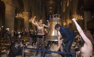Manifestation des Femen dans la cathédrale Notre-Dame de Paris, le 12 février 2013.