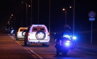 La police escorte le convoi qui transporte Salah Abdeslam en Belgique, le 5 février 2018.