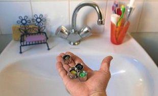 Grâce à des bouchons spéciaux, la consommation d'eau peut être réduite.