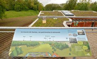 Santes, le 13 mai 2013. Le relais nature du parc de la Deule.