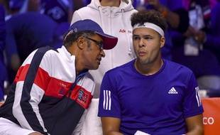 Noah et Tsonga en discussion lors du match face à Darcis.