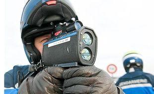 Opération de contrôle routier de la gendarmerie, près de Bordeaux, le 12 décembre 2012