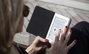 La nouvelle liseuse Diva HD de Bookeen adopte un nouveau format de livres numériques.