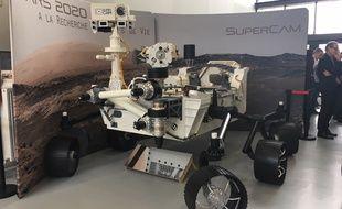 La maquette du Rovermars2020, qui partira en exploration sur Mars en juillet 2020, a été présentée au Laboratoire d'astrophysique de Bordeaux.