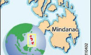 Environ 200 personnes seraient  mortes et 1.500 portées disparues vendredi après un glissement de terrain provoqué par des pluies torrentielles dans le centre des Philippines, a indiqué le responsable de la Croix Rouge Richard Gordon.